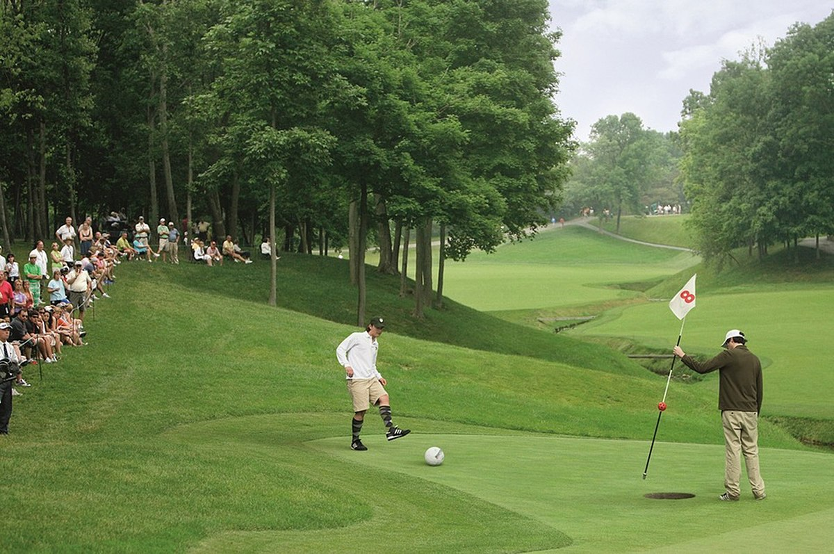 1200px-FootGolf_2009